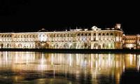 Ночной Эрмитаж в Петербурге